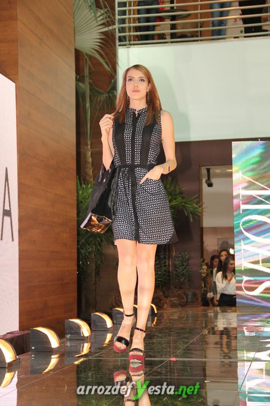 Fashion Show (390)