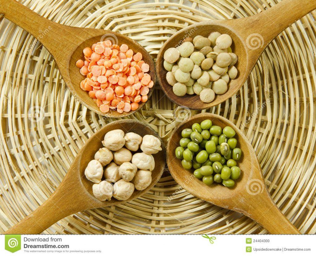 lentilhas-feijes-de-mung-e-gros-de-bico-24404300